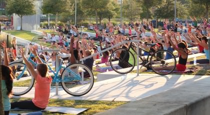 Yoga-in-the-Park_Tampa-420x230